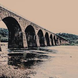 Paul Kercher - Shocks Mill Bridge