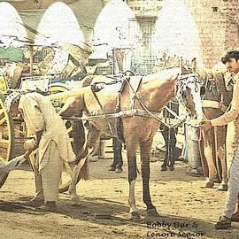 Lenore Senior and Bobby Dar - Shoeing the Horse
