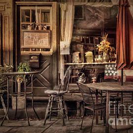 Lois Bryan - Sidewalk Cafe