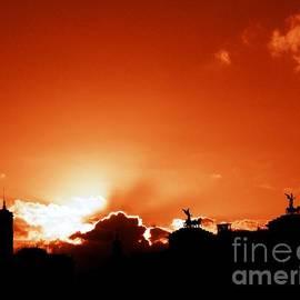 Stefano Senise - Silhouette of Rome against a sunset sky