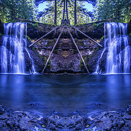 Pelo Blanco Photo - Silver Falls - Upper North Falls Reflection