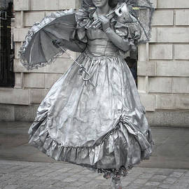Doc Braham - Silver Human Statue - Covent Garden - Doc Braham - All Rights Reserved.