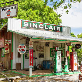 Lorraine Baum - Sinclair Station
