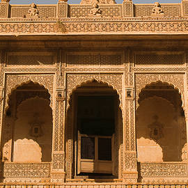 SKN 1194 Articulate Temple by Sunil Kapadia