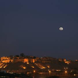 Sunil Kapadia - SKN 1338 The Golden Fort by Night