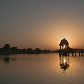 Sunil Kapadia - SKN 1380 Rising Admiration