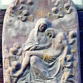 Sarah Loft - Small Pieta in Eltville