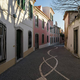 Georgia Mizuleva - Small Streets Stroll in Cascais Portugal