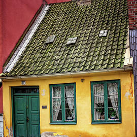 Carol Japp - Smallest House in Malmo Sweden