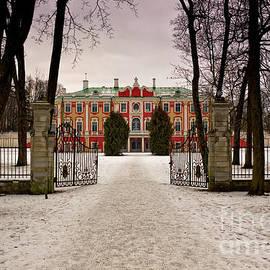 Jukka Heinovirta - Snowy Path To The Kadriorg Palace