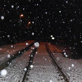 Snowy rails by Lenka Rottova