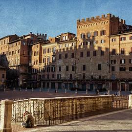 Joan Carroll - Solitude in Il Campo Siena Italy