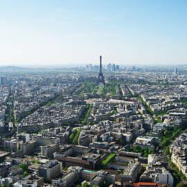 Sous Le Ciel De Paris by Iryna Goodall