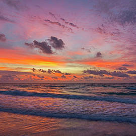 South Beach 7286 by Steve Lipson