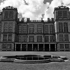 Andy J Gill - Hardwick Hall - South Lawn