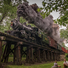 Jim Pearson - Southern Steam engine 401 heads across the Camp Creek Trestle