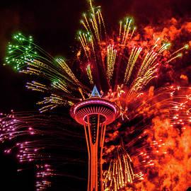 Stephen Rowles - Space Needle Fireworks 1