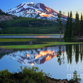 Inge Johnsson - Sparks Lake Sunrise