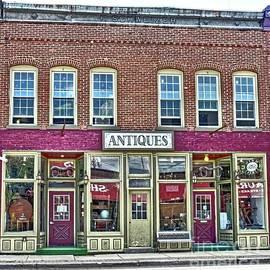 Elizabeth Duggan - Springville Antique Shop