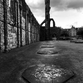 Claire Walsh - St Andrews stones