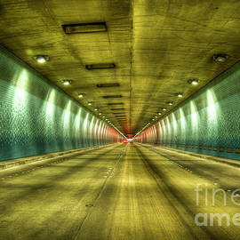 Reid Callaway - Standing In Traffic The Tetsuo Harano Tunnel Hawaii Collection Art