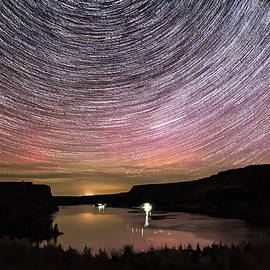 Star Trails and Aurora at Billy Chinook - Cat Connor