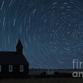 Jerry Fornarotto - Starry Night at the Black Church Iceland