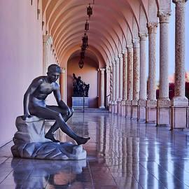 Statue - Loggia