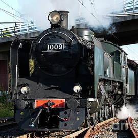 Esko Lindell - Steam Train