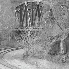 Michael Hills - Steel Bridge BW