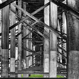 Steel support by Rudy Umans