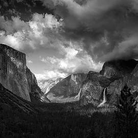 Storm Arrives in the Yosemite Valley by Raymond Salani III