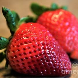 Dee Winslow - Strawberry Strawberry