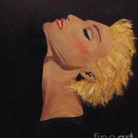 Catalina Walker - Strike A Pose Madonna