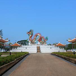 Suan Sawan Golden Dancing Dragon Dthns0145 by Gerry Gantt