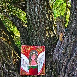 Vesna Martinjak - Summer angel on the tree
