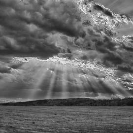 Sun Rays Over Vann's Valley by Patricia Montgomery