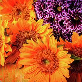 Sunflowers With Pom Spray - Garry Gay