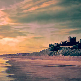 Brian Tarr - Sunrise at Bamburgh Castle