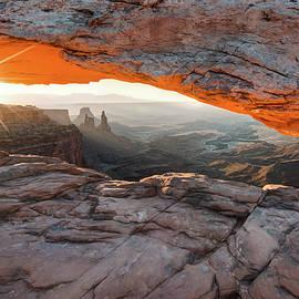 Gregory Ballos - Sunrise at Mesa Arch - Canyonlands National Park
