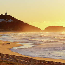 Nicholas Blackwell - Sunrise at Sugarloaf Point