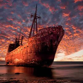 Jaroslaw Blaminsky - Sunrise at the beach