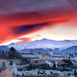 Guido Montanes Castillo - Sunrise clouds over Granada and Sierra Nevada