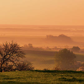 Jenny Rainbow - Sunrise Foggy Valley