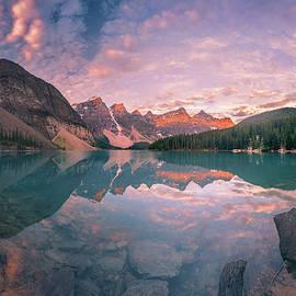 William Lee - Sunrise hour at Banff