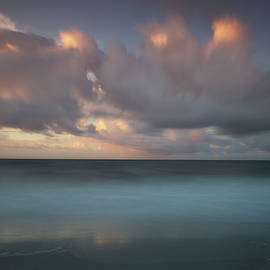 Mike Deutsch - Sunrise on the Ocean