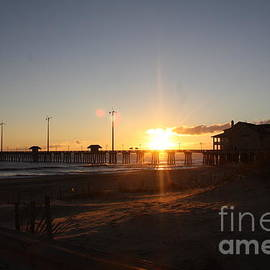 Chuck Hicks - Sunrise Over Ther Pier