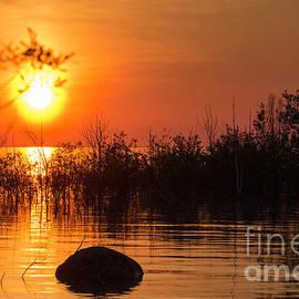 Sunset at Lake Michigan by Les Palenik