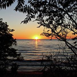 Julie Ketchman - Sunset at Pier Cove