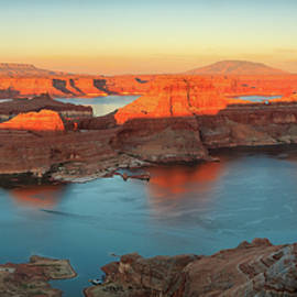 Johnny Adolphson - Sunset panorama from Alstrom Point.